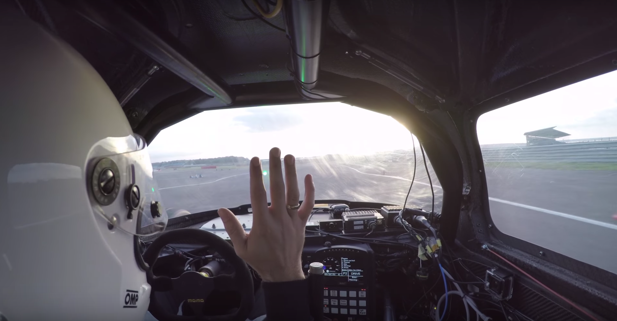 Video: Riding in a Self-Driving Racing Car looks absolute Mental.