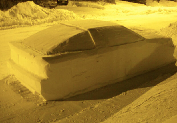 Canadian Cop Tries To Give Car Made Of Snow A Parking Ticket