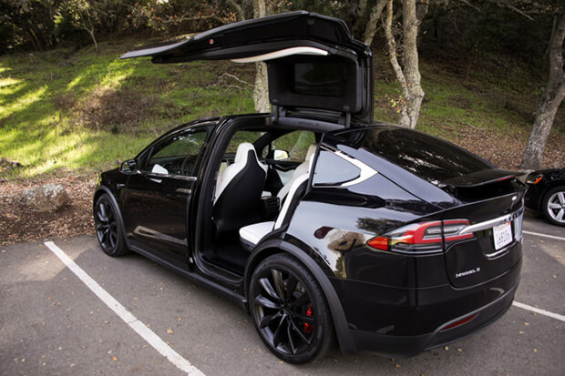 Swiss police to get Tesla Model X police cars for active duty