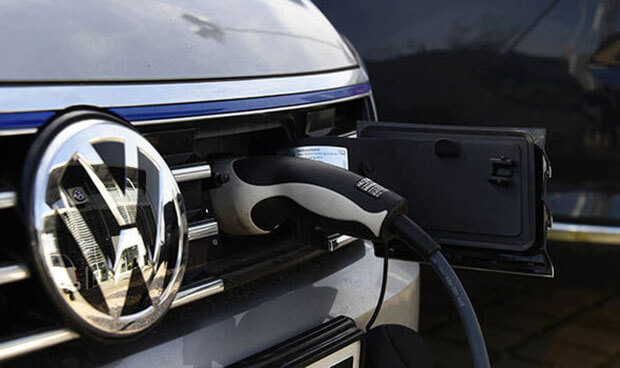 Volkswagen to build 10 million e-cars in first wave