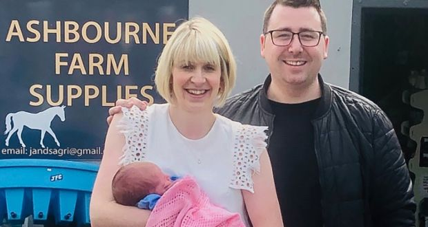 Mother who gave birth at a roadside garage thanks staff