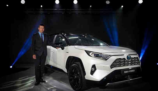 Toyota Ireland Chief Executive warns that buyers are being rushed into electric cars