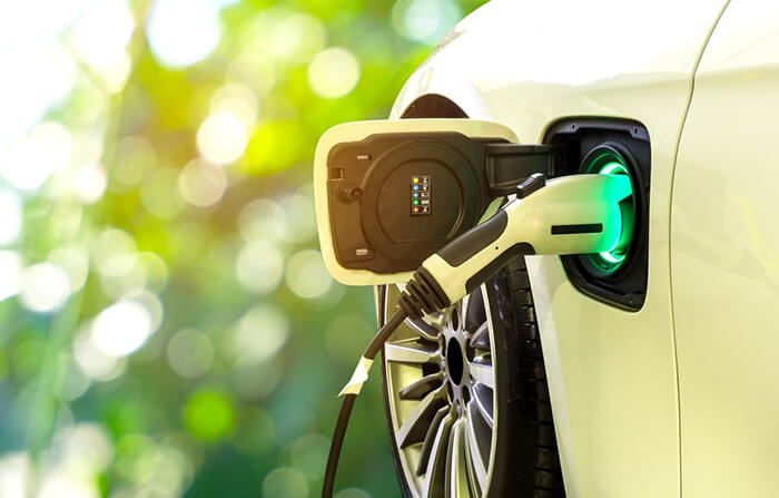 Electric and Hybrid car incentive scheme to be drastically cut