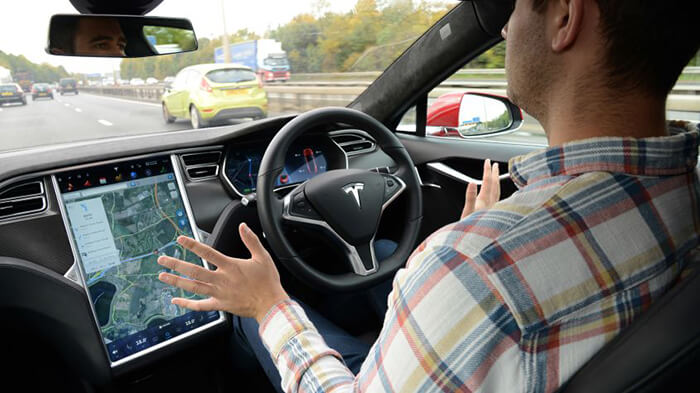 UK government green lights 'autonomous cars on motorways